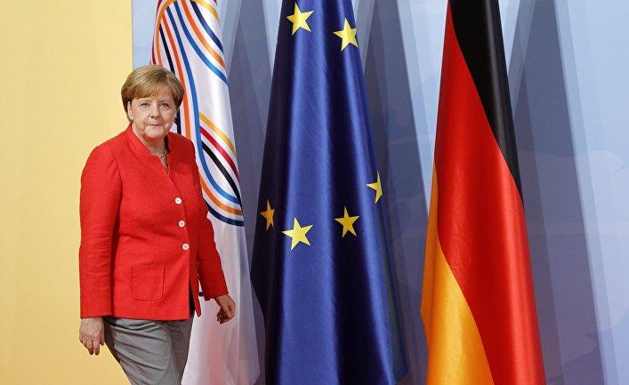 """Канцлер Германии Ангела Меркель на церемонии официальной встречи глав делегаций государств-участников """"Группы двадцати"""" G20. 7 июля 2017"""