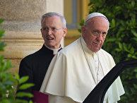 Папа римский Франциск после встречи с президентом США Дональдом Трампом в Ватикане