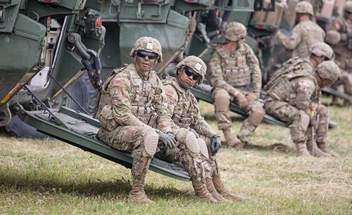 Американские солдаты на военных учениях Saber Strike в городе Ожиш