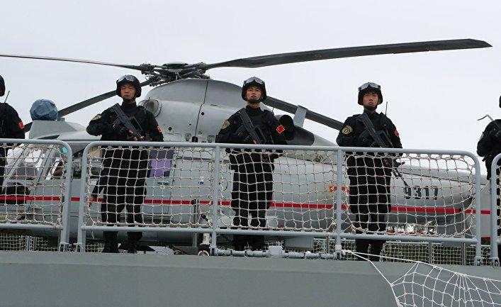 """Военнослужащие фрегата """"Юньчэн"""" военно-морских сил Китая, прибывший в порт Балтийска для участия в российско-китайских учениях """"Морское взаимодействие – 2017"""""""