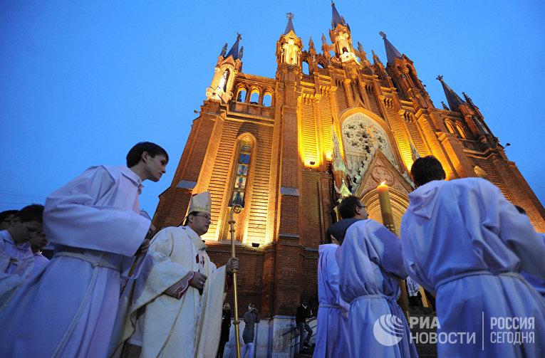Празднование католической Пасхи в Москве