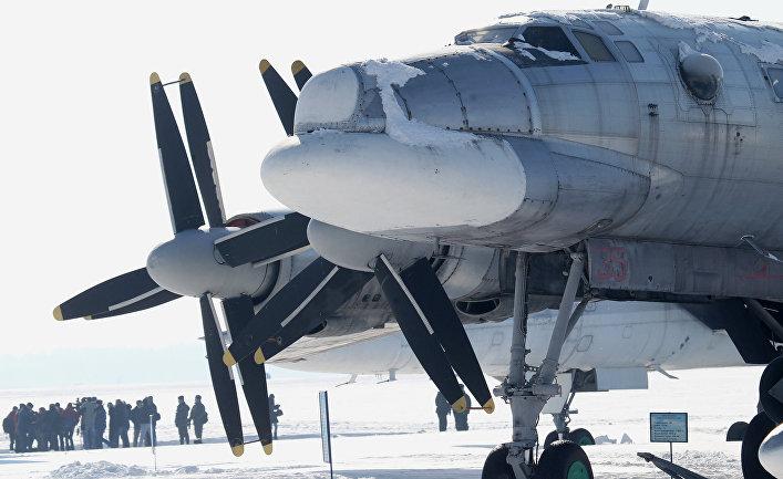 """Стратегический ракетоносец Ту-95 в музее боевых самолетов на аэродроме """"Дягилево"""" в Рязанской области"""