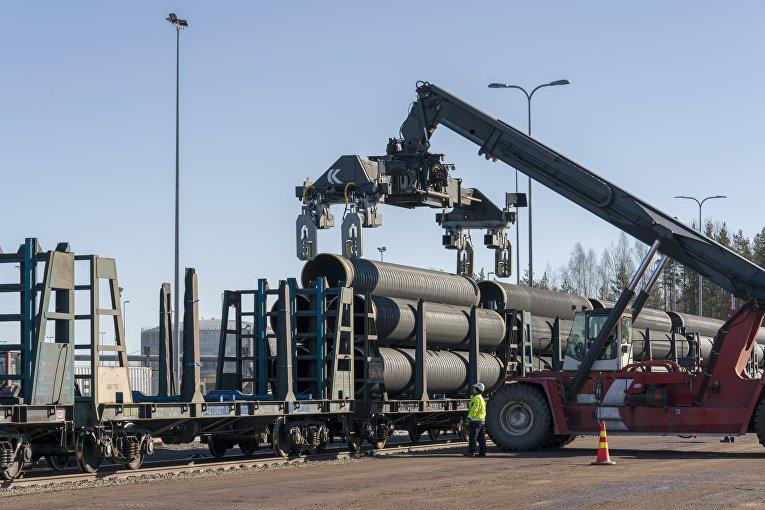 В Котке, Финляндия, началось нанесение бетонного покрытия на трубы для «Северного потока – 2»