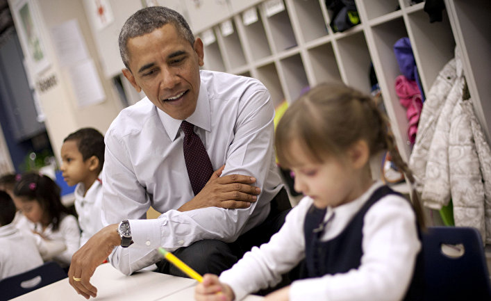 Барак Обама на уроке в начальной школе в пригороде Вашингтона