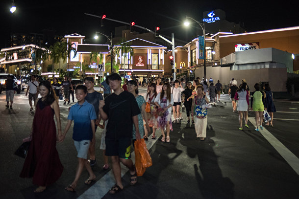 Туристы в городе Тамунинг