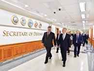 Президент Украины Петр Порошенко и министр обороны США Джеймс Мэттис во время встречи. 20 июня 2017