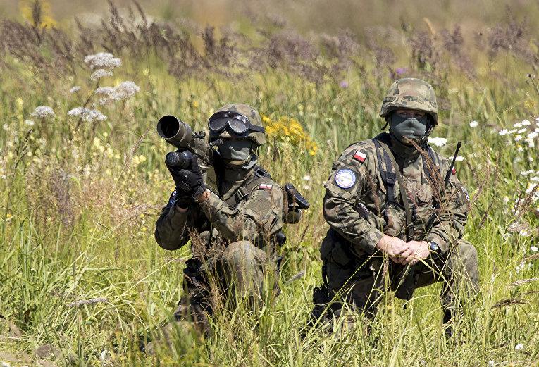 Польские солдаты во время учения НАТО Tobruq Legacy 2017 в Литве