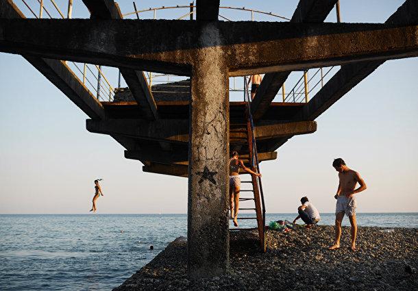 Пляж в Сухуми