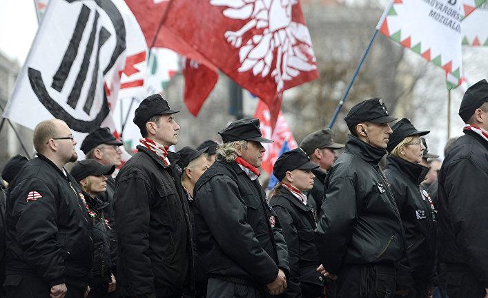 Члены радикальной националистической организации Jobbik в Будапеште