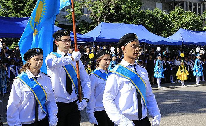 Последний звонок в Казахстане