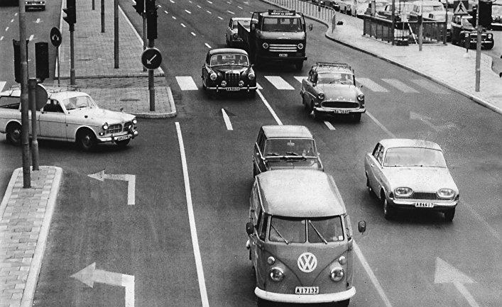 Автомобильное движение в шведском городе
