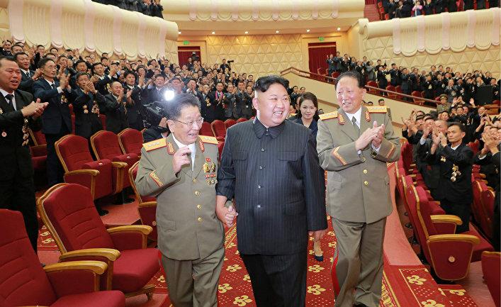 Северокорейский лидер Ким Чен Ын на празднике, посвященном физикам-ядерщикам