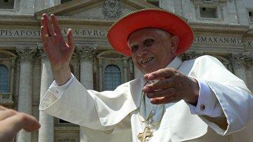 Бенедикт XVI служит мессу на открытом воздухе, 2008 год