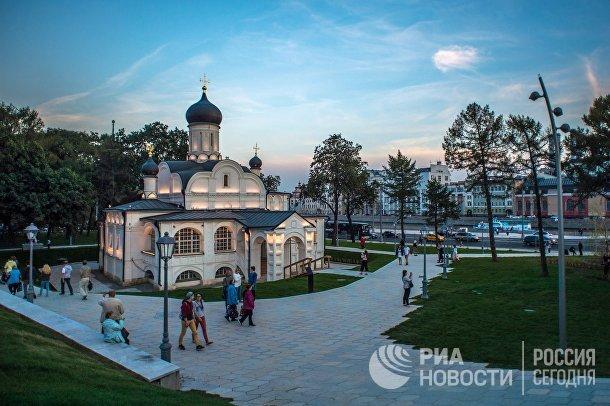 Церковь Зачатия святой Анны на территории природно-ландшафтного парка «Зарядье»