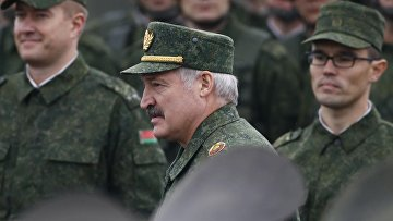 Президент Белоруссии Александр Лукашенко во время совместных стратегических учений вооруженных сил Республики Белоруссия и Российской Федерации «Запад-2017»