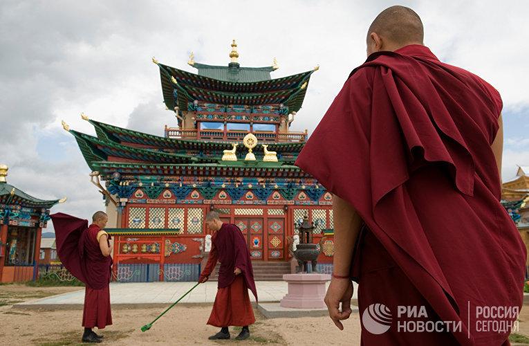 Дворец Пандито Хамбо ламы XII Даши Доржо Итигэлова в Иволгинском дацане