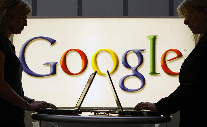 Логотип Google на выставке в Ганновере