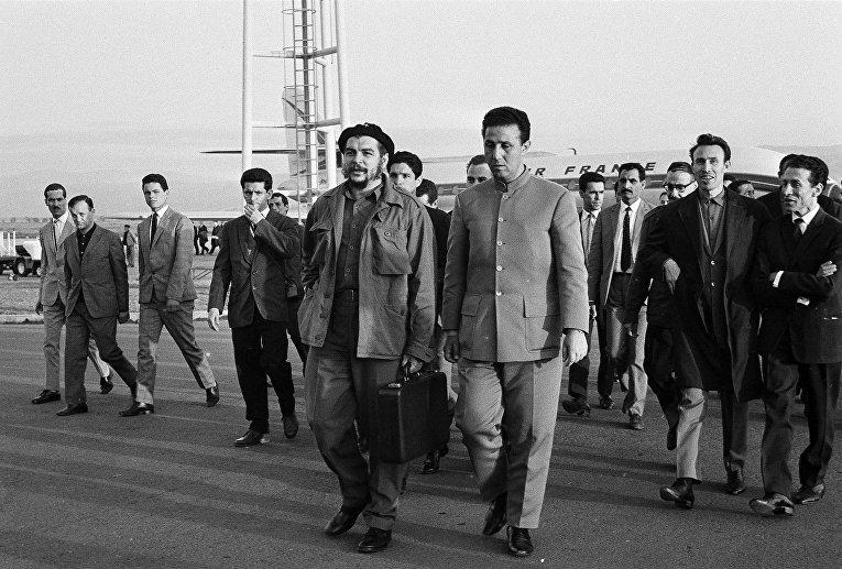 Эрнесто Че Гевара с президентом Алжира Ахмедом Бен Беллой