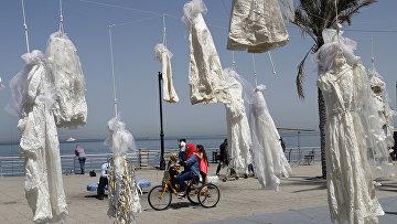 Свадебные платья в знак протеста против закона по которому насильник освобождается от насилия, если он женится на своей жертве