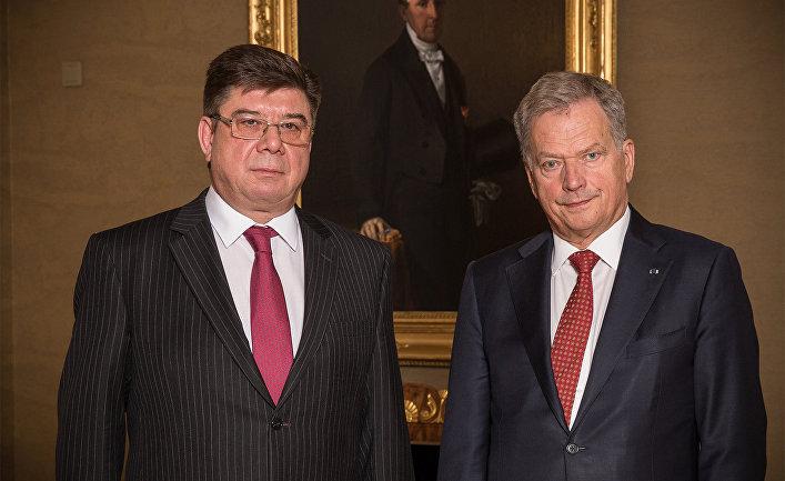 Посол России в Финляндии Павел Кузнецов и президент Финляндии Саули Нийнистё