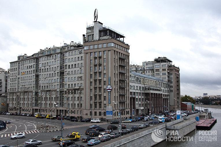 """""""Дом на набережной"""" (""""Дом правительства"""") в Москве"""