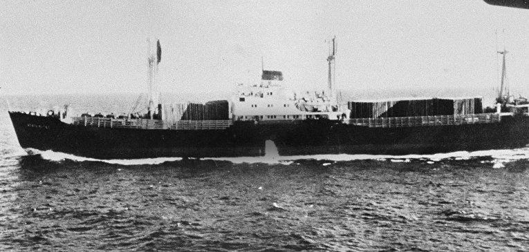 Советский корабль у берегов Кубы. 23 октября 1962