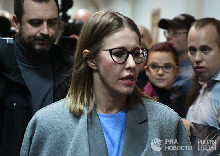 Рассмотрение ходатайства следствия о продлении срока домашнего ареста режиссеру К. Серебренникову