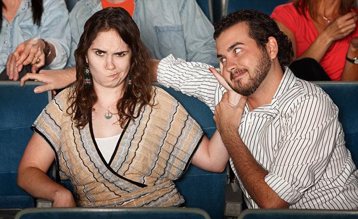 С подругой в театре