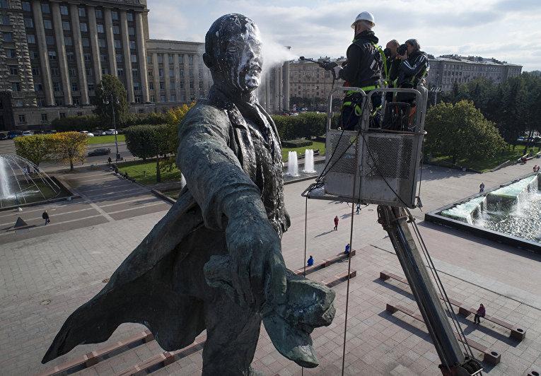 Ленин в Санкт-Петербурге