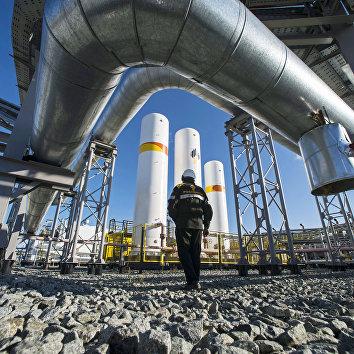 Дожимная компрессорная станция на нефтегазовом месторождении