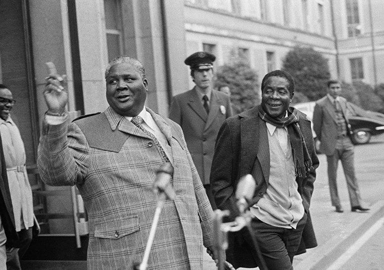 Лидеры Черного национального фронта Джошуа Нкомо и Роберт Мугабе