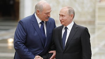 Президент РФ Владимир Путин и президент Белоруссии Александр Лукашенко на встрече глав ОДКБ в Минске. 30 ноября 2017