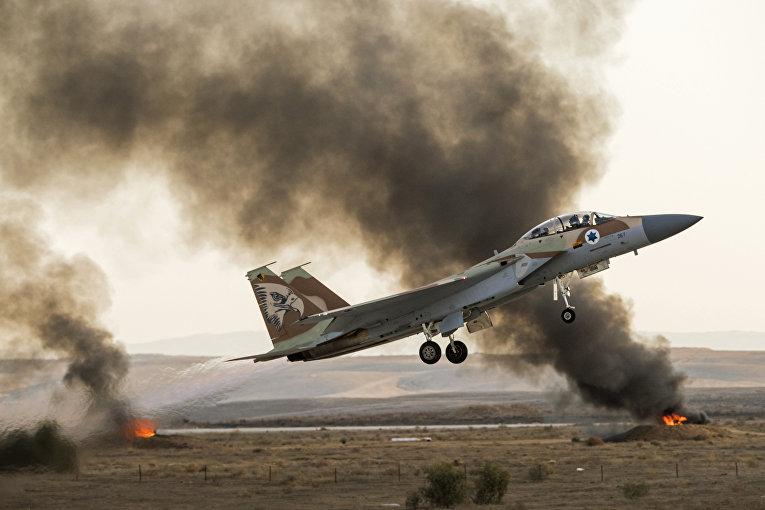 Израильский самолет-истребитель