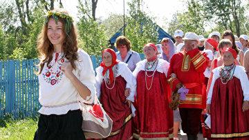 Русский фольклорный праздник «Каравон» открылся в селе Никольское