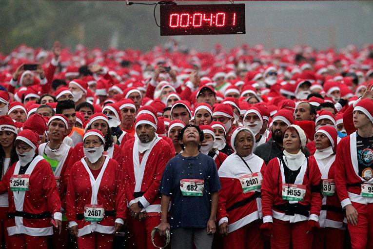 Забег Санта-Клаусов Run Santa Run в Монтерее