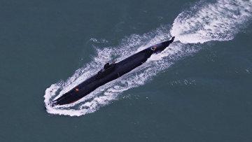 Подводная лодка КНР во время тренировочных маневров в Южно-Китайском море