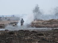 Украинский солдат стреляет из РПГ