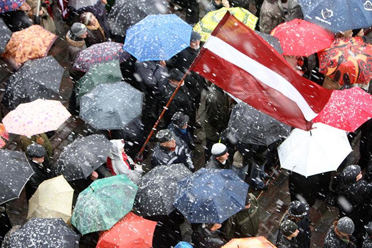 Демонстрация в поддержку демократии и борьбы с коррупцией в Риге