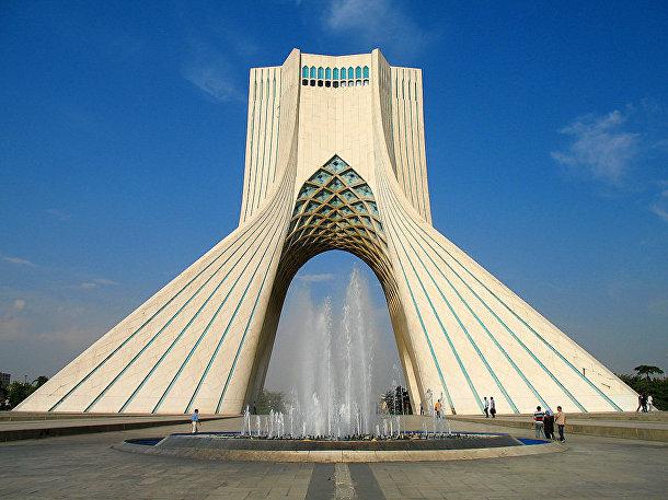 Башня Азади в Тегеране