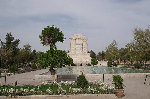 Гробница Фирдоуси в Иране
