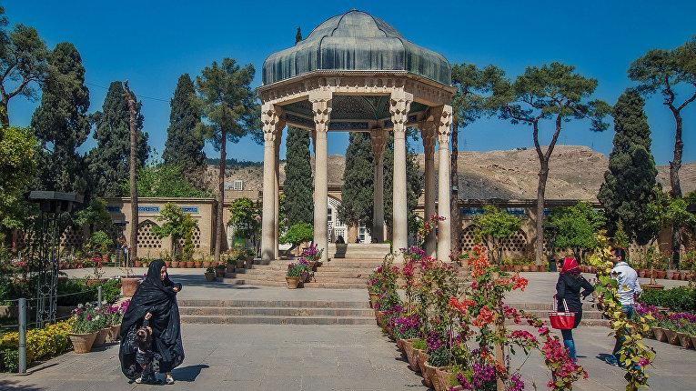Гробница Хафиза в Иране