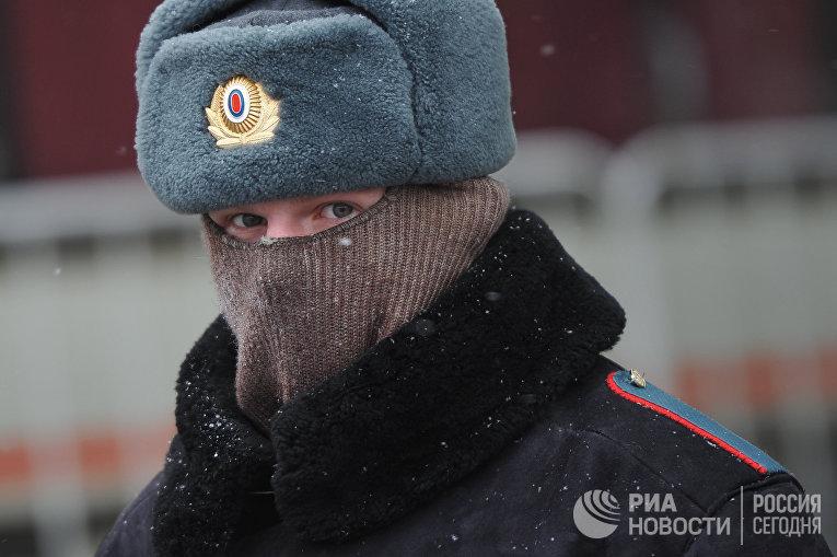 Сотрудник правоохранительных органов в Москве