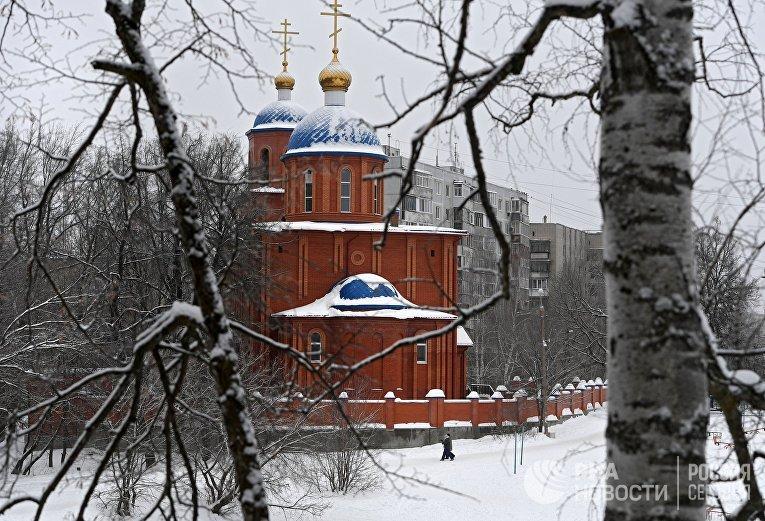 Храм Пресвятой Богородицы на озере Комсомольское в Казани