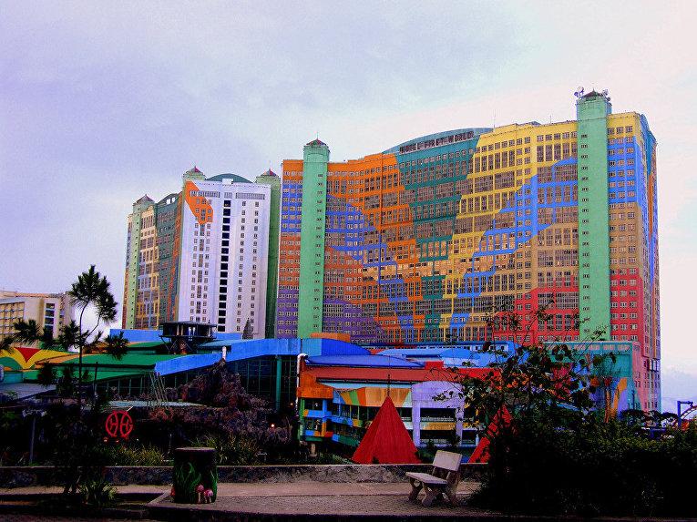 самый большой отель в мире по количеству номеров First World Hotel