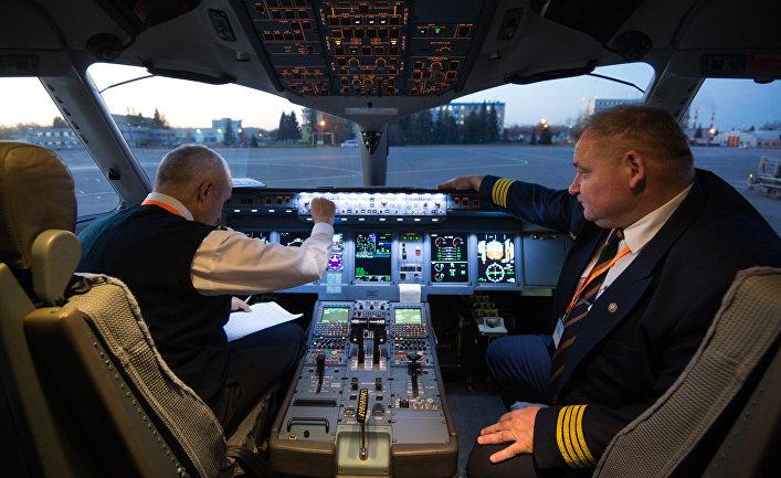 """Первый рейс новой авиакомпании """"Азимут"""" в Новосибирске"""