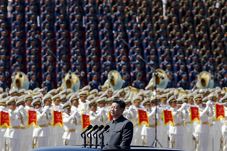 Председатель КНР во время Парада Победы на площади Тяньаньмэнь в Пекине