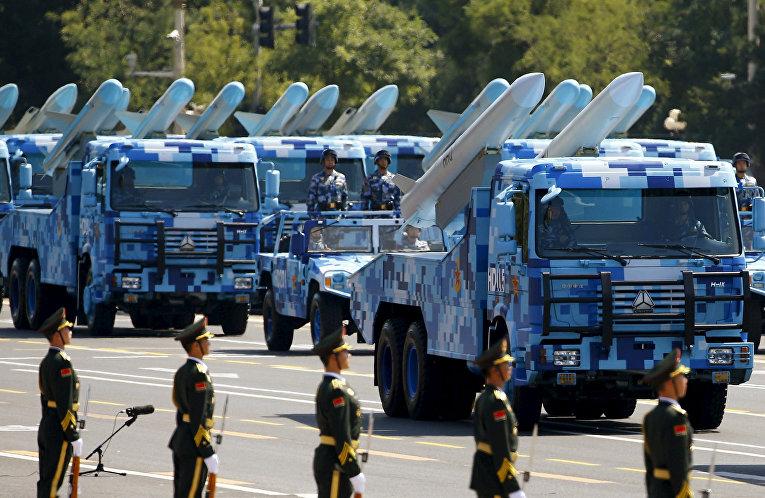 Ракеты «корабль-воздух» на параде на площади Тяньаньмэнь в Пекине, посвященного победе в Японо-китайской войне