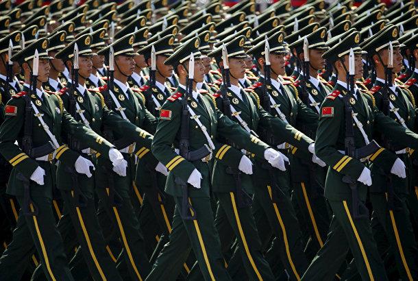 Военизированные полицейские отряды во время парада на площади Тяньаньмэнь в Пекине