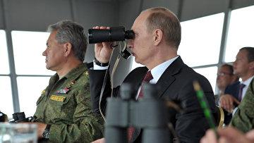 Владимир Путин на учениях в Восточном военном округе