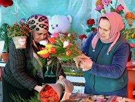 Подготовка к празднованию 8 Марта в городах России